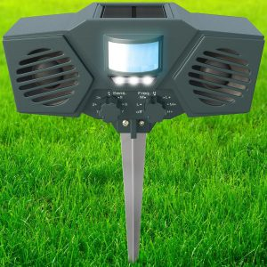 A Great Ultrasonic Deer Repeller The Hoont Animal Repeller Strobe